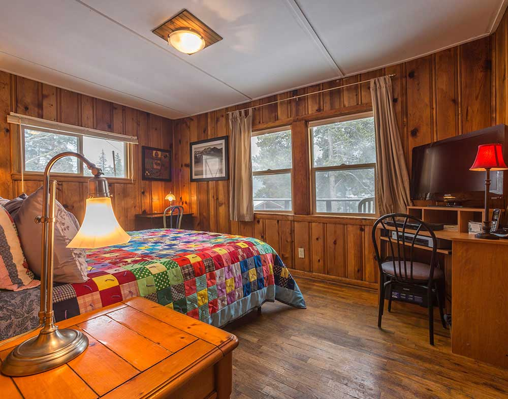 Zuni Is A One Bedroom Bath Cabin It Sleeps 4 With Queen Size Bed And Two Futons